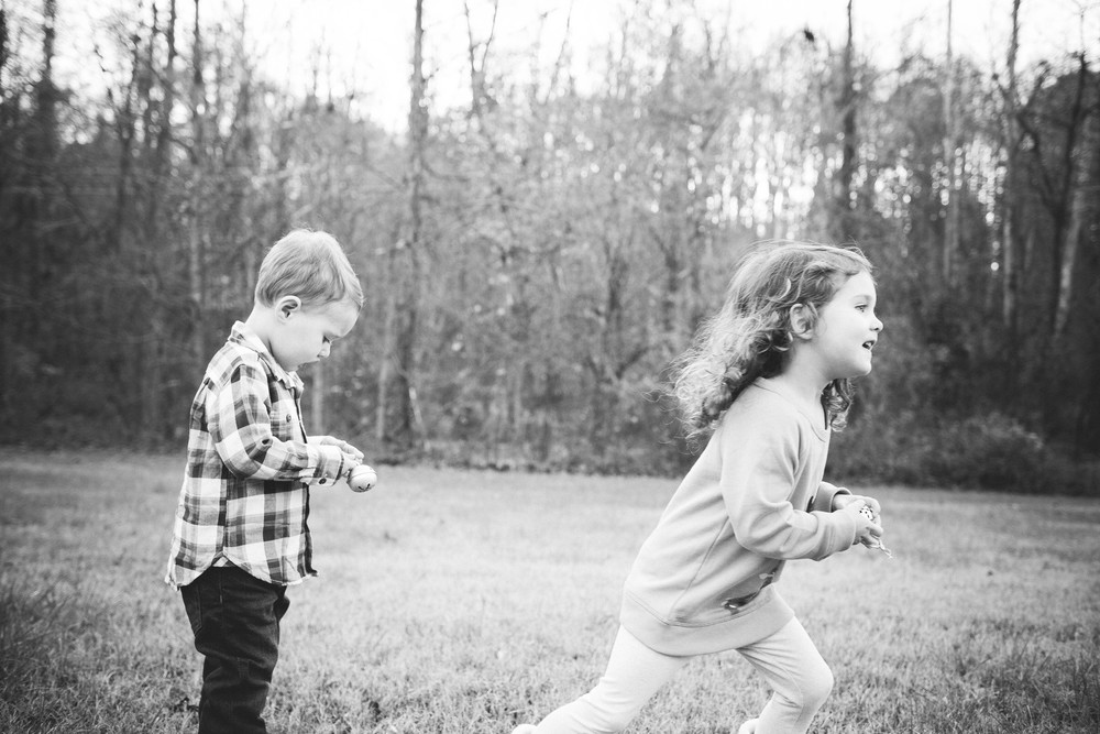 kids_playing_candid