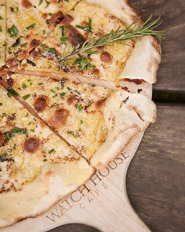 #WednesdayWisdom FREE garlic pita with every two main meals ordered! Thurs - Saturday evenings only! Another great reason to visit us! . . #westbay #dorset #pita #garlic #pizza #free #fortheloveofpizza #bestofboth