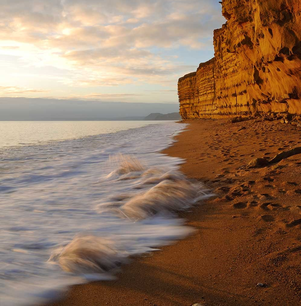 waves-at-west-bay-broadchurch.jpg