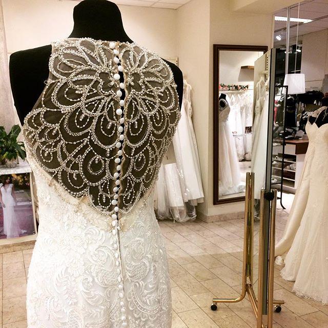 Ny skönhet från Morilee #bröllop #bröllopskällan #bröllopsbutiken #bröllop2017 #wedding #mydream #white #stockholmbrud #brudbutik #bröllopsbutikstockholm