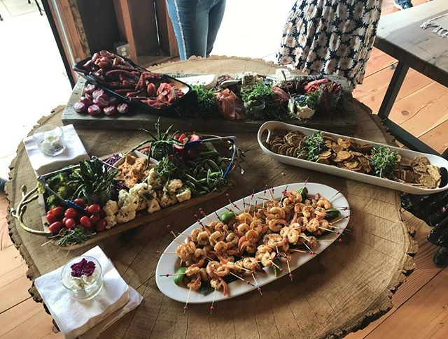 Grazing Table? Check ✔️ #holidayfeasting #familystyle #westcoastwedding #grazingtable #charcuterieboard #openwatercatering #catering