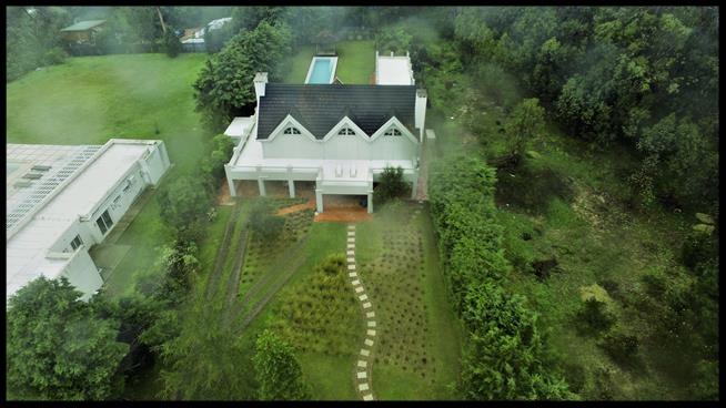 Aerial view of the villa where Italian mafia fugitive Rocco Morabito lived in the resort town of Punta del Este, Uruguay, Monday, Sept. 4, 2017.  (AP Photo/Marcelo Umpierrez)