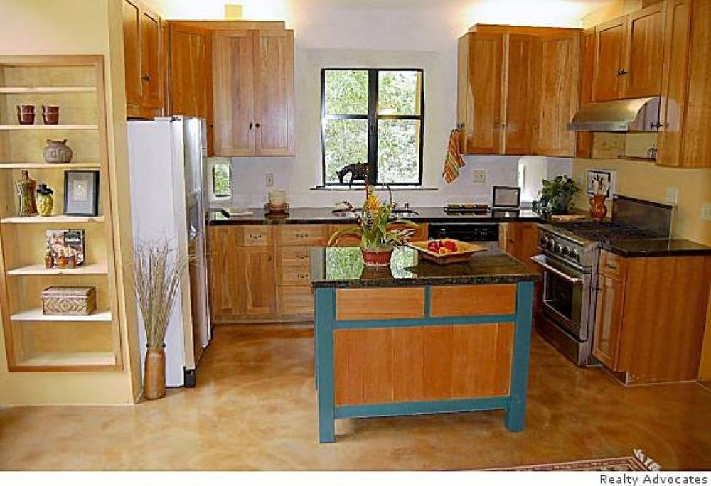 The kitchen   Photo: Realty Advocates