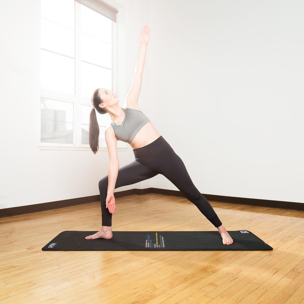 YogaMatLifestyle3web.jpg