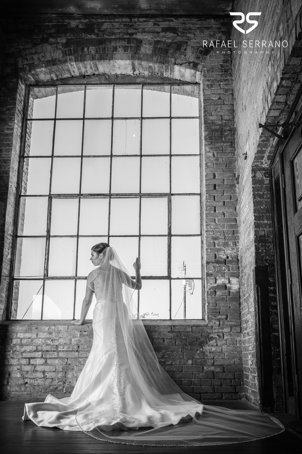 The Cotton Mill in Mckinney weddings016.jpg