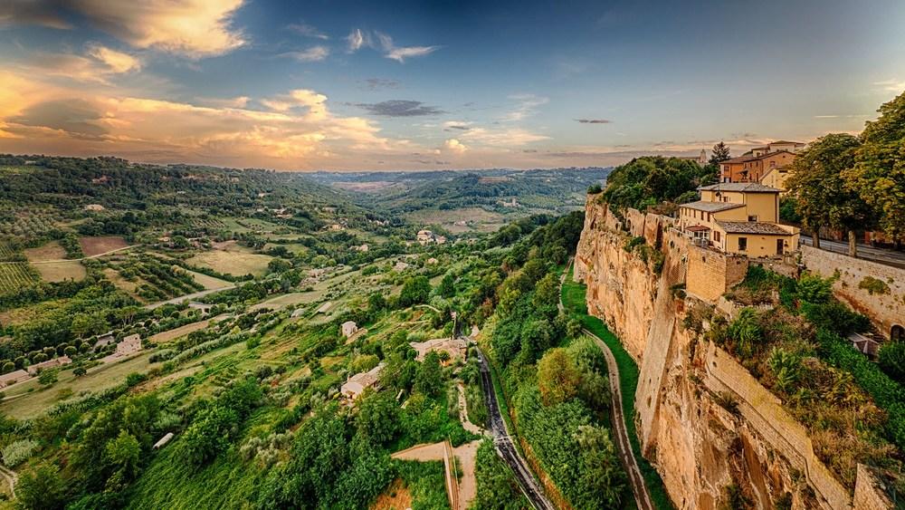 Орвието (Orvieto), Умбрия, Италия - достопримечательности, путеводитель по городу. Что посмотреть в Орвието, карта Орвието. Самые красивые города Италии.