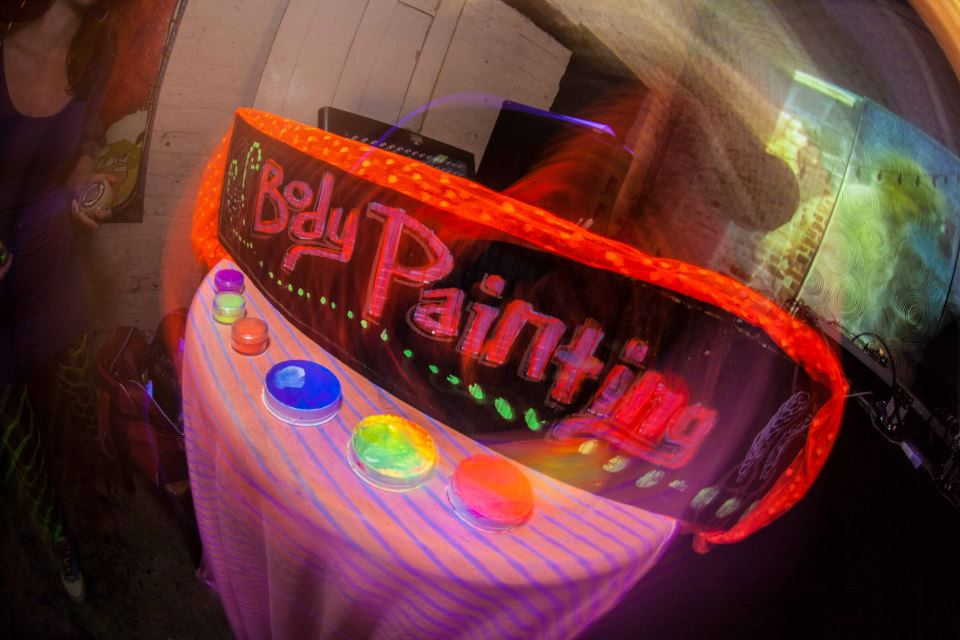 Get Fly Body Painting @ LIVE JUJU