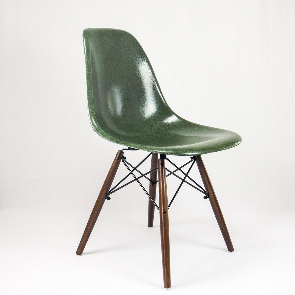 dsw olive green eames herman miller vintage poq. Black Bedroom Furniture Sets. Home Design Ideas