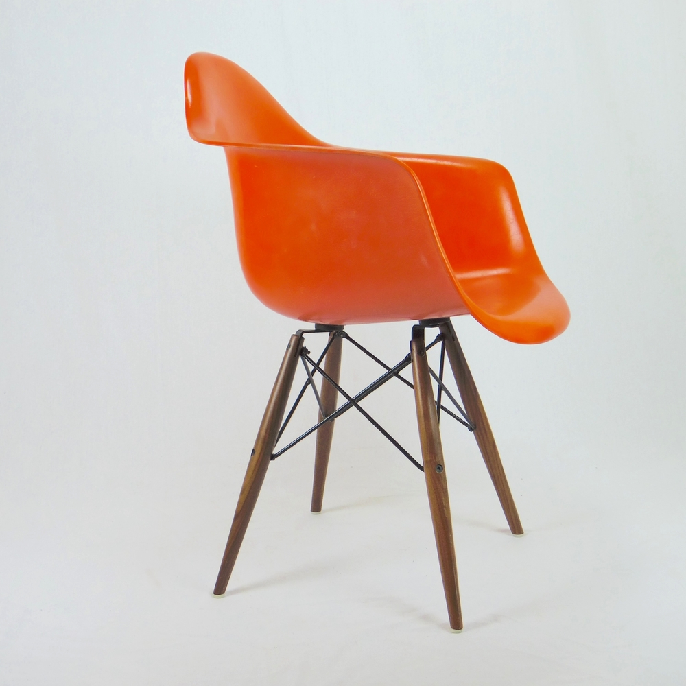 Chaises eames occasion simple chaise eames paris chaise for Chaise occasion