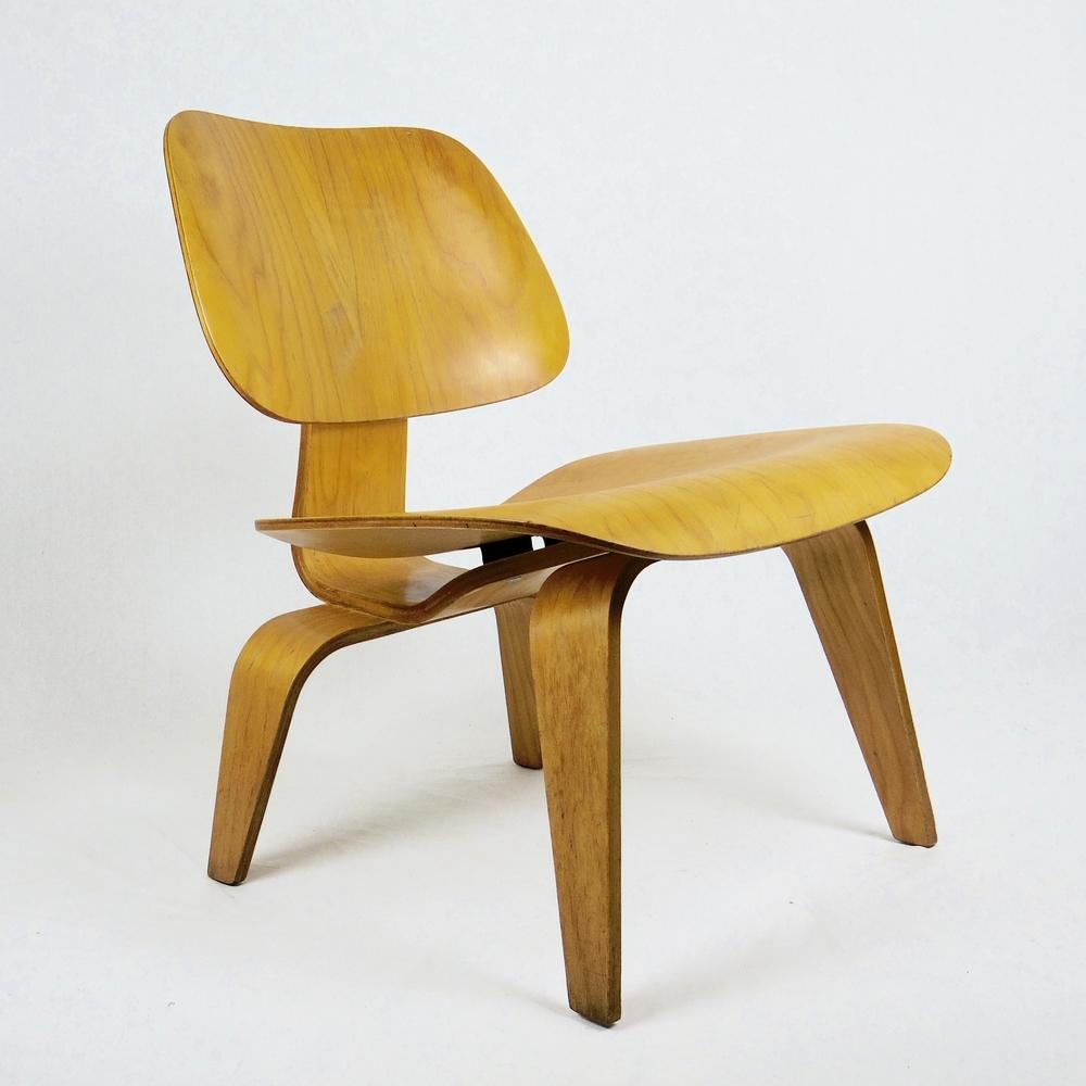 la chaise eames occasion perfect chaise inspir e de ch eames orange x with la chaise eames. Black Bedroom Furniture Sets. Home Design Ideas