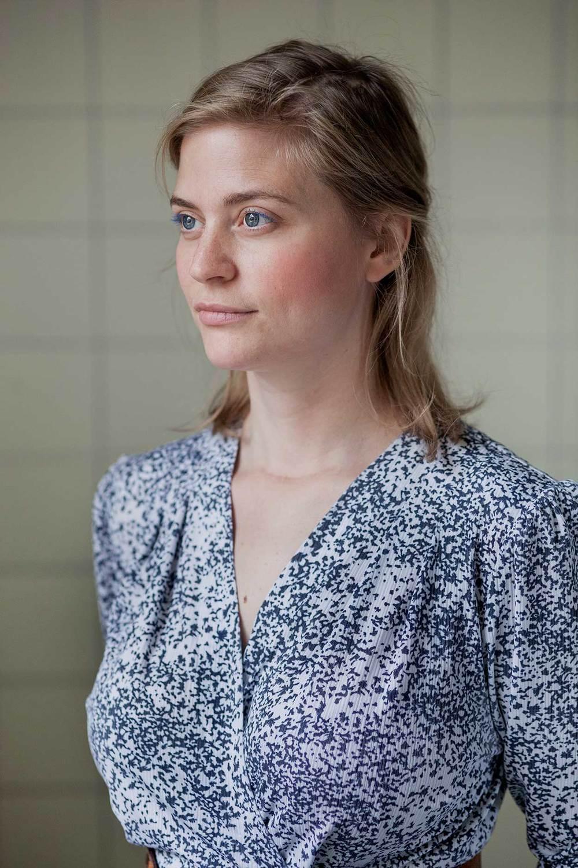 Nadja Engholt Kaspersen    HØRTs talskvinde  Scenekunstner  Cand.mag. i Teater- og Performancestudier, BA i Retorik   nadja@hoert.dk
