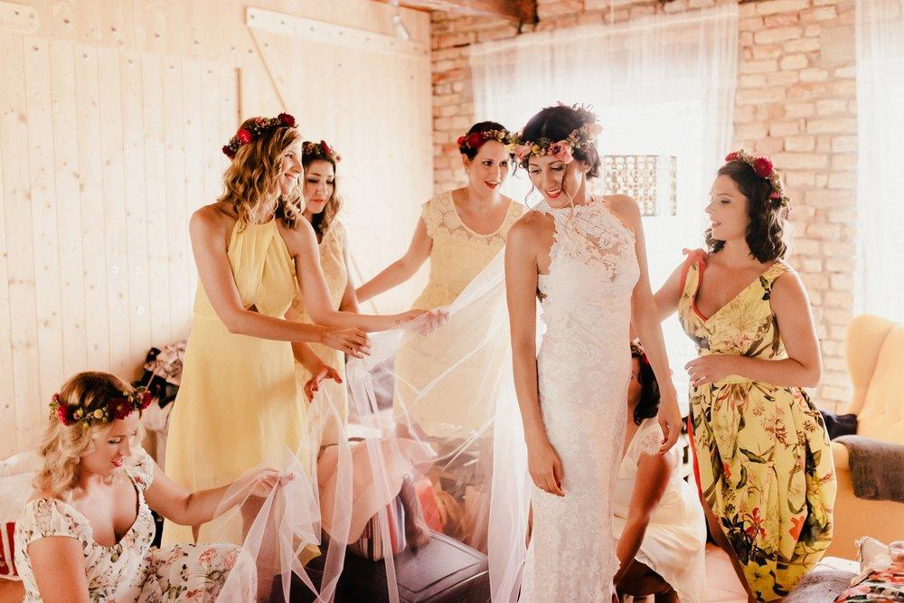 bestof2016_114 barn wedding slovakia.jpg