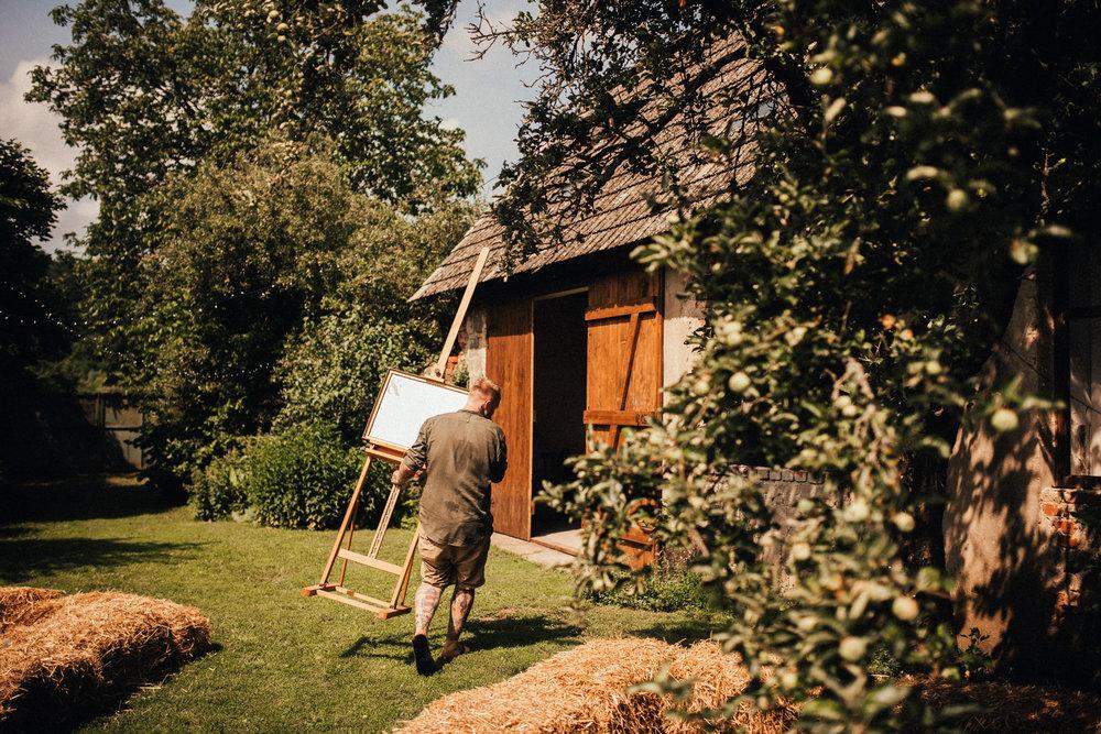 k&p relaxed hipster barn wedding 016.jpg