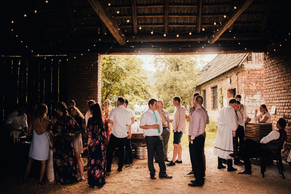 k&p relaxed hipster barn wedding 103.jpg
