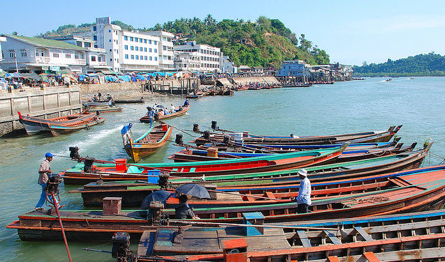 The port of Kawthaung, Myanmar.  Home to zero fast boats.  The big 0.