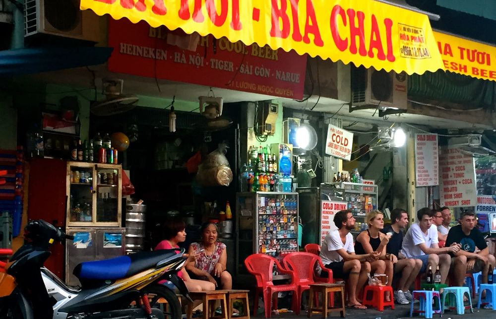 Let's talk beer!  In Hanoi's Old Quarter there is Beer Corner.  A place where Bia Hoi, local beer that is brewed and tapped daily is served and as a result, it doesn't require any preservatives.  A mug usually sets you back about 5 Vietnamese Dong, or, about .25.  Order a plate of peanuts and drink up.