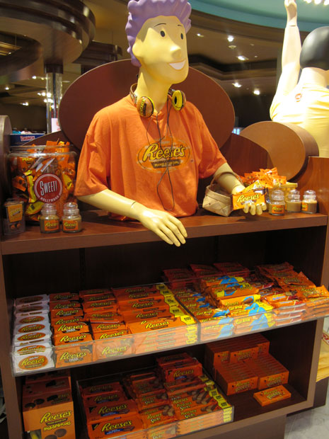 Reese's T-shirt, headphones (two kinds) and scented candle.