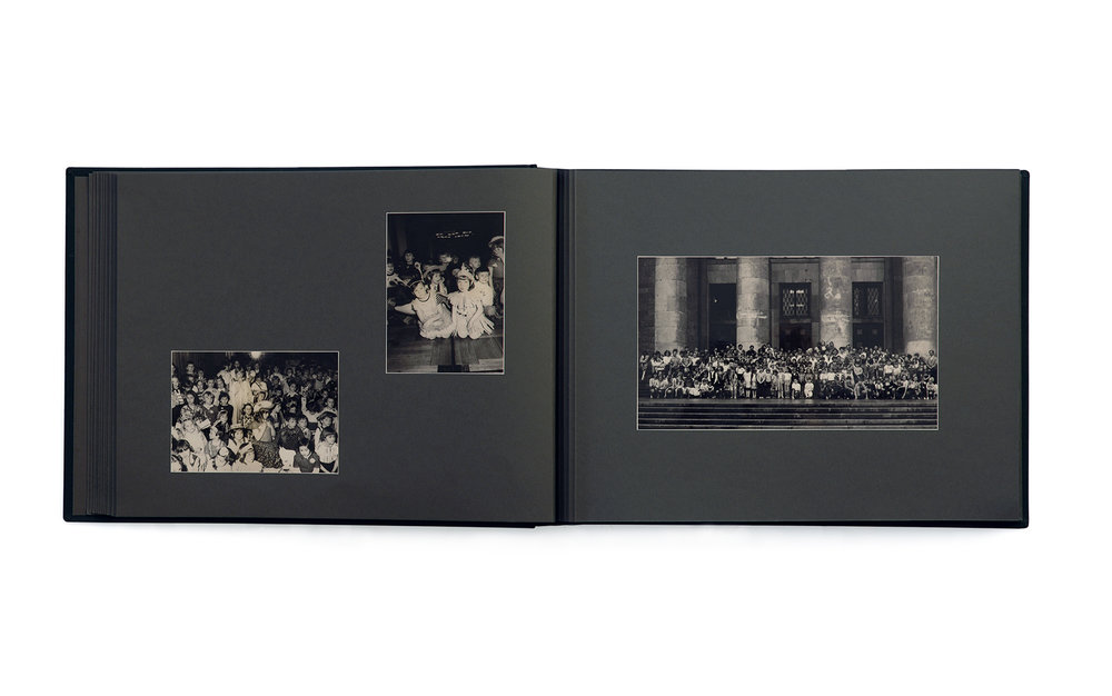 Aneta Grzeszykowska   Album , 2004  201 photographs in an album  29 x 40 x 9 cm