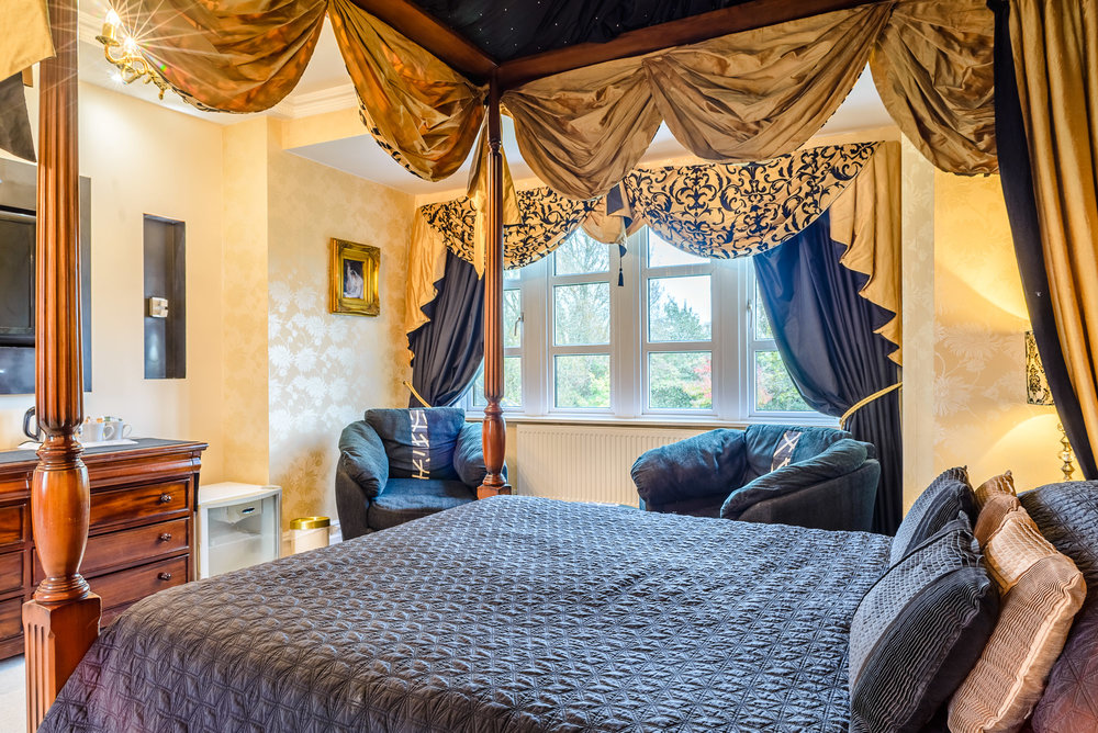 Four poster bed Rookery Manor Somerset