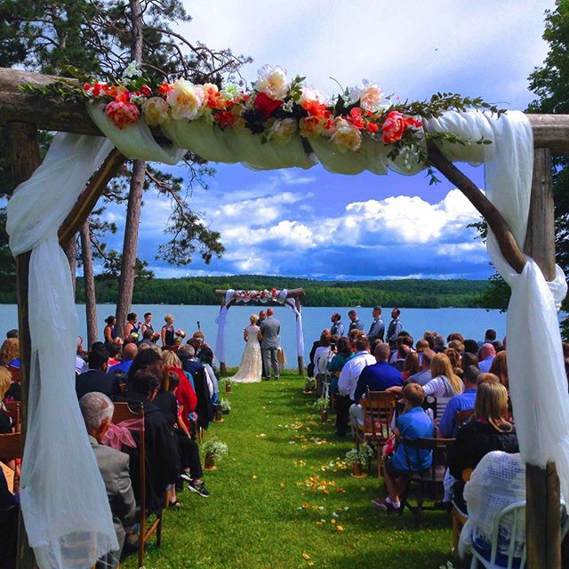 #jennaandjoewedding #lakewedding #weddingaltar at #sugarcrest