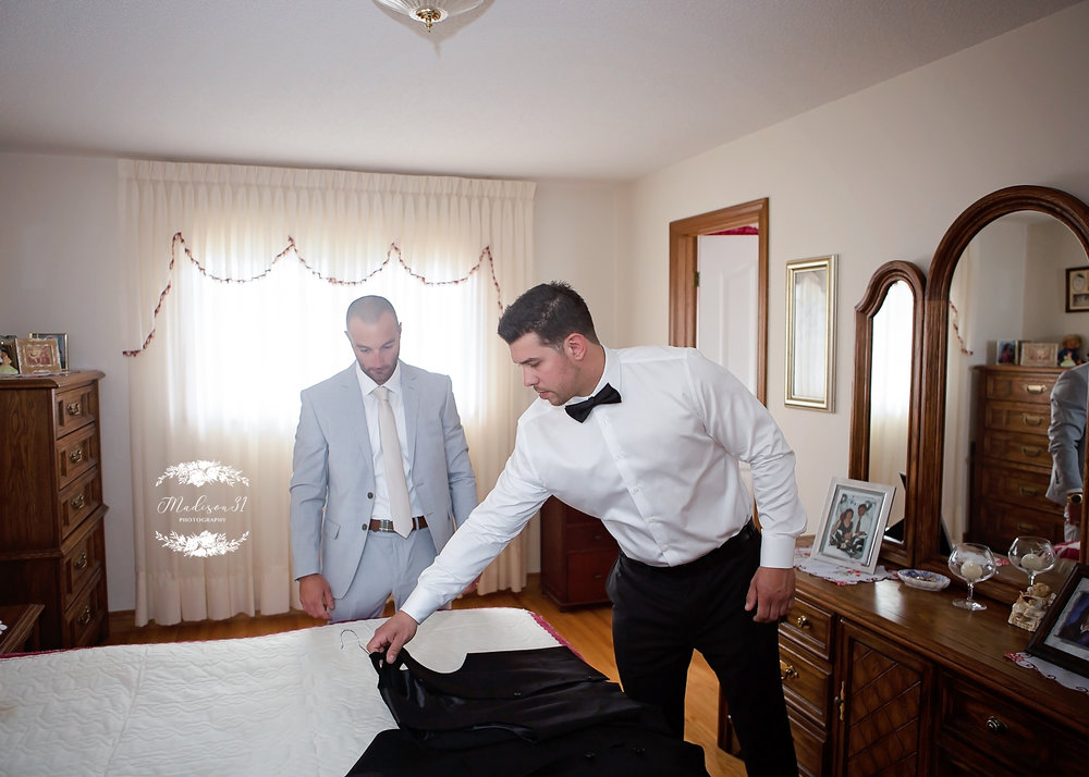 Getting Ready Groom_0260 copy.jpg