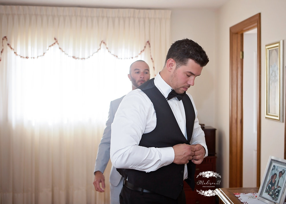 Getting Ready Groom_0268 copy.jpg