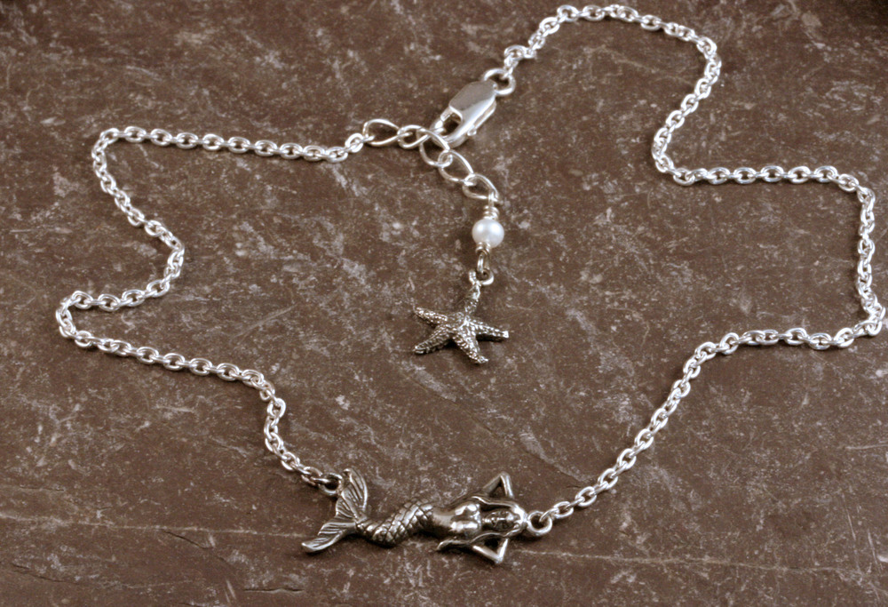 Sterling silver mermaid anklet with a freshwater pearl & starfish accent