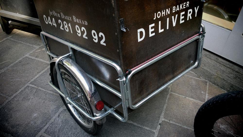 Der Vitelli Anhänger, der abgelöst wurde. Mit über 20 kg (ohne Kiste)mehr als doppelt so schwer wie der  JB-special . polyroly.