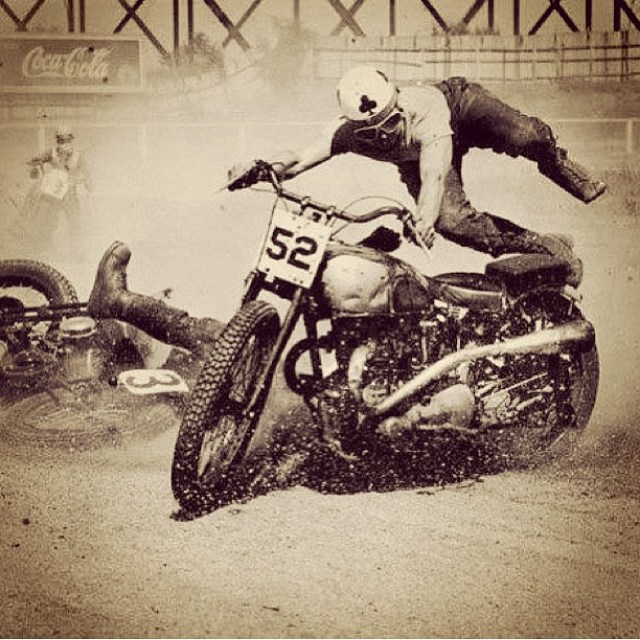 Make it week worth heel clicking #heelclicker #vintage #race #motorcycle #moto #dirtbike @dg533 @vintageracing_ @fasthouse_ @tldlaguna @motocrossactionmag @mtfmx @mrm_usa