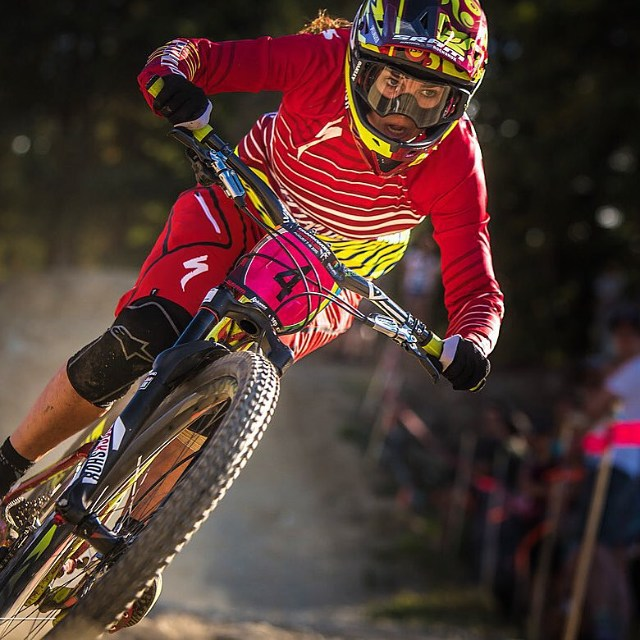 @anneke_beerten Combines strength and speed to win the Queen of Crankworks title a few weeks back. Congrats! Photo credit: @jensstaudt @iamspecialized_mtb @srammtb @alpinestars @rockshox @vitalmtb @mtfmx @mrm_usa