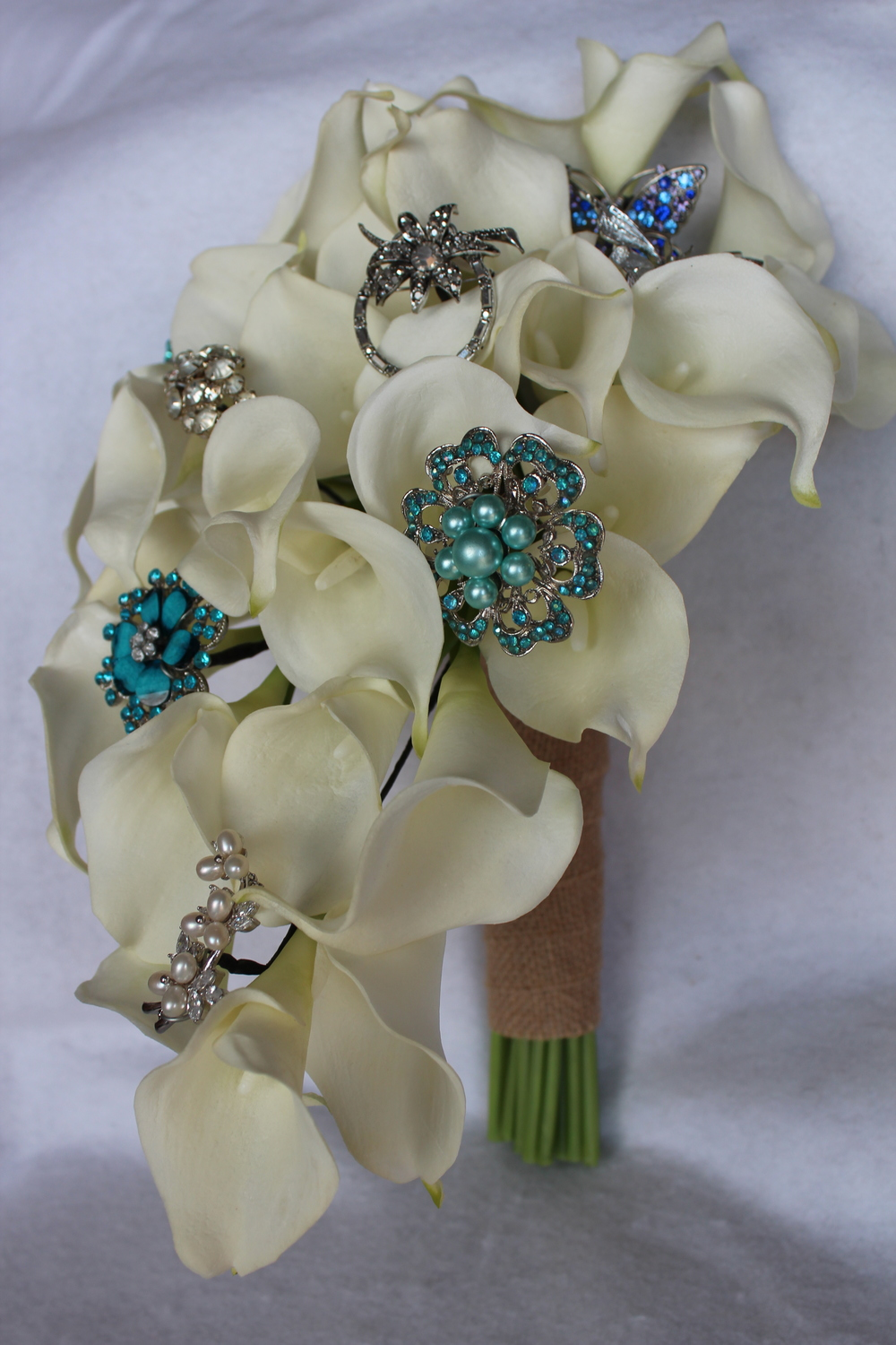 minneapolis-cascade-bridal-bouquet-silk-flowers.jpg