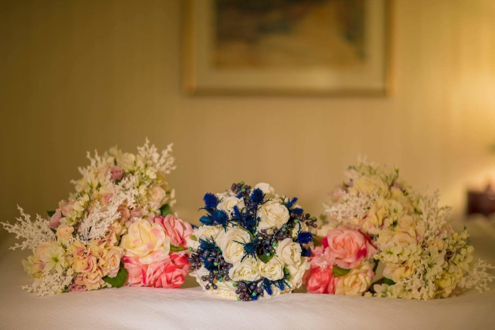 The contrast of the bridal bouquet is stunning!