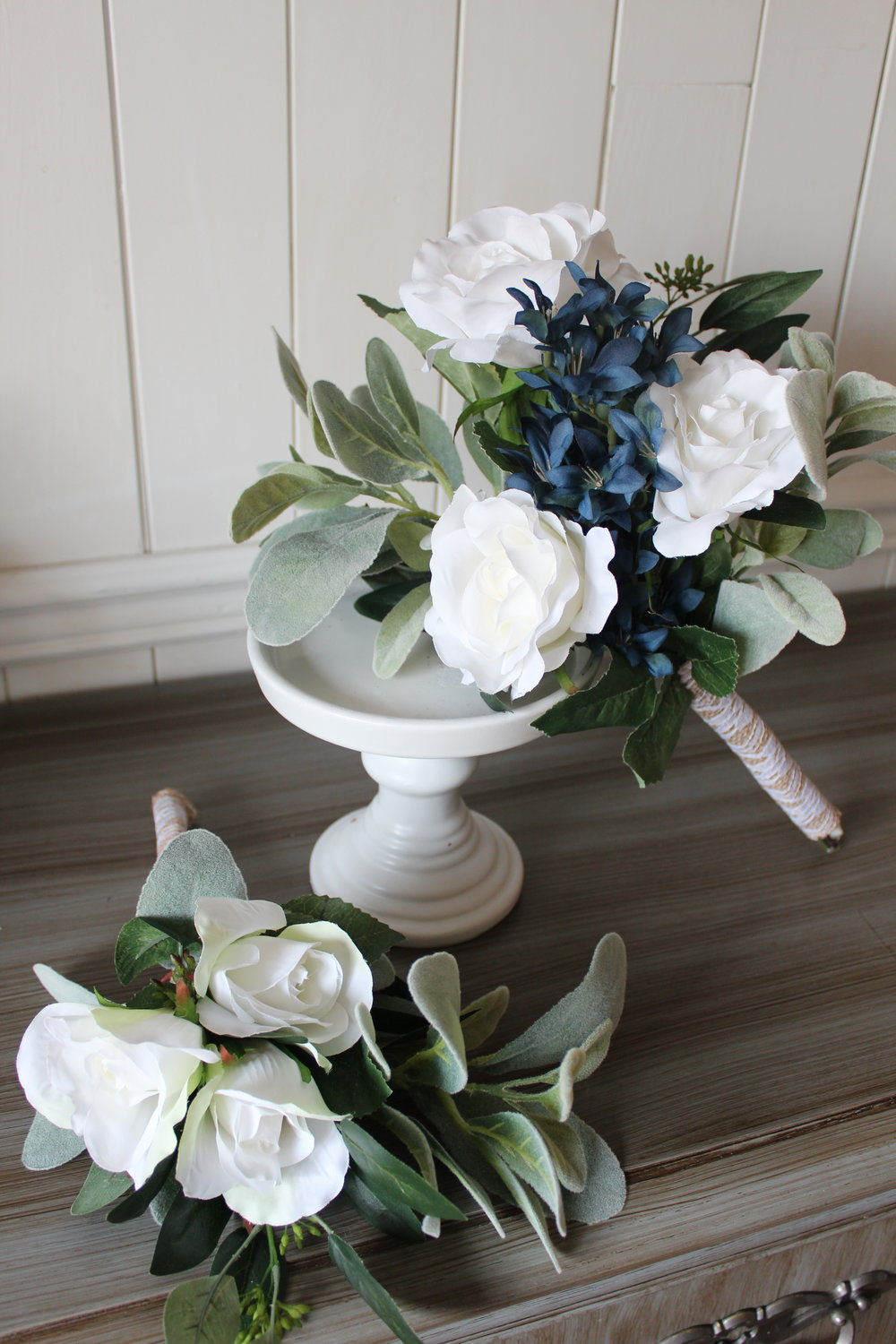 Toss bouquet (left) and bridesmaid bouquet (right).