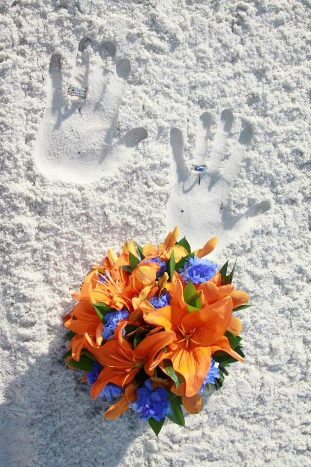 Tropical-silk-wedding-bouquet-recreation.jpg