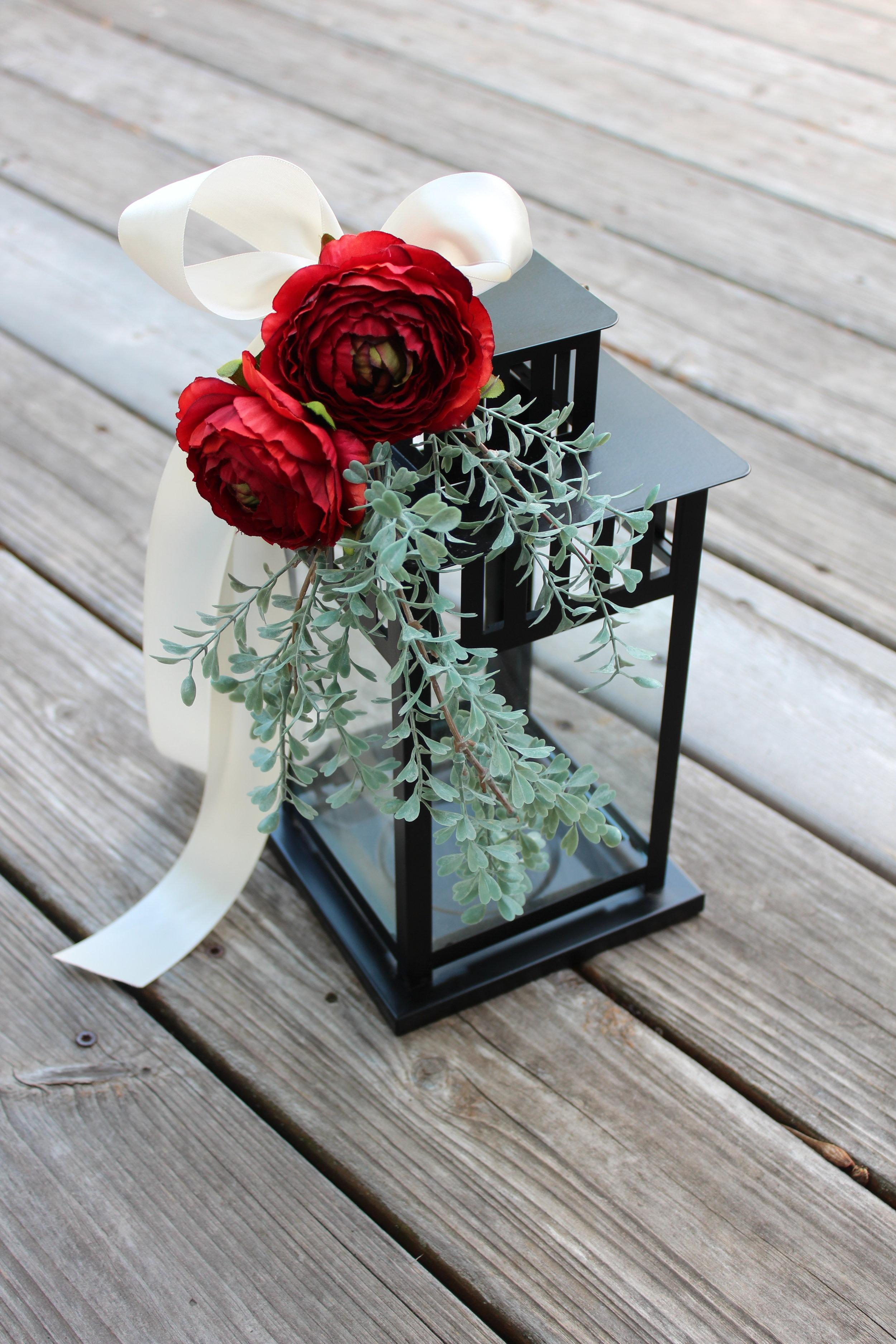 Lantern Centerpiece Wedding Idea With Silk Flowers Silk Wedding Flowers And Bouquets Online Love Is Blooming