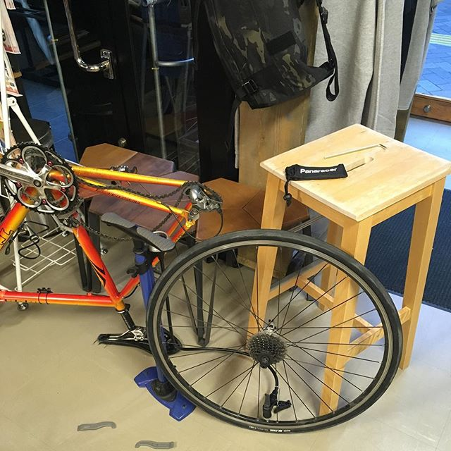 新しいタイヤ装着! #bicyclecoffeetokyo #bicyclecoffee #maxxis