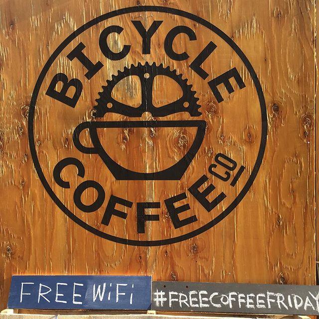 おはよう虎ノ門☕️ #freecoffeefriday #freewifi #bicyclecoffeetokyo #bicyclecoffee #toranomon #coffee #bicycle #虎ノ門 #新虎通り #コーヒー #自転車 #金曜日
