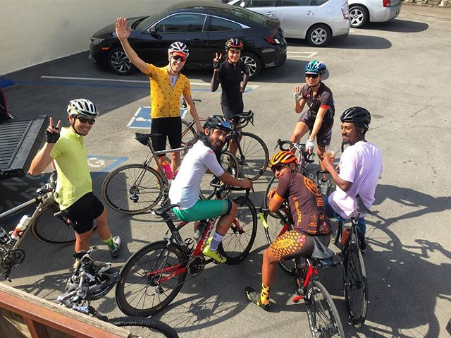 This mornings crew heading towards Wrightwood... we think that's what they said! You will have to ask them how the ride went. ☕️☕️☕️🚵🏽🚵🏽♀️🚵🏽#freecoffeefriday #locallyroasted #deliveredbybicycle #bicyclecoffeela