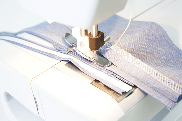 How To Install A Beautiful Lapped Zipper -www.CLOTHSTORY.com
