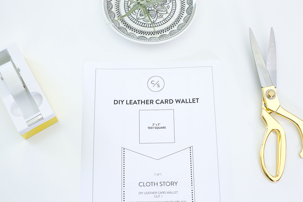 DIY leather card wallet with free printable pattern - clothstory.com