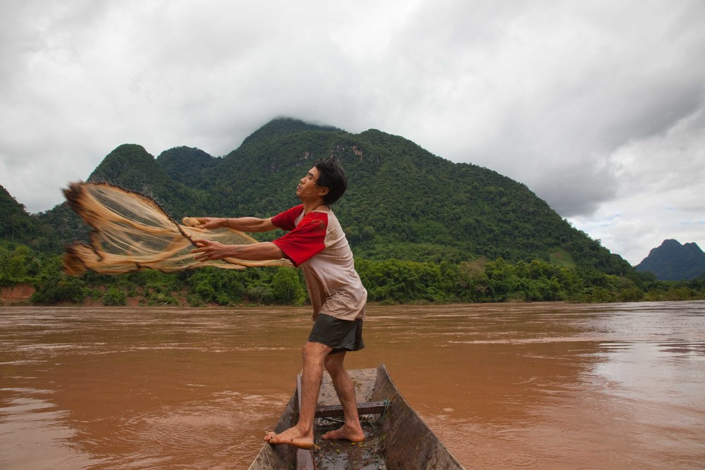 Subsistence fishing on the Nam Ou River. Credit: Andy Isaacson