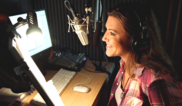 "Melissa Disney did the voice-over for the trailer for ""Gone in 60 Seconds,"" starring Angelina Jolie and Nicolas Cage. Credit: Molly Mahar"