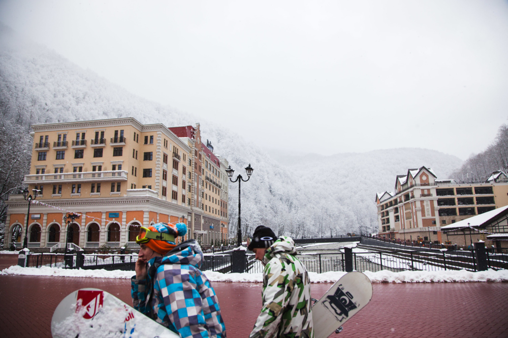 Snowboarders at Rosa Khutor near Sochi, Russia. Credit: Andy Isaacson