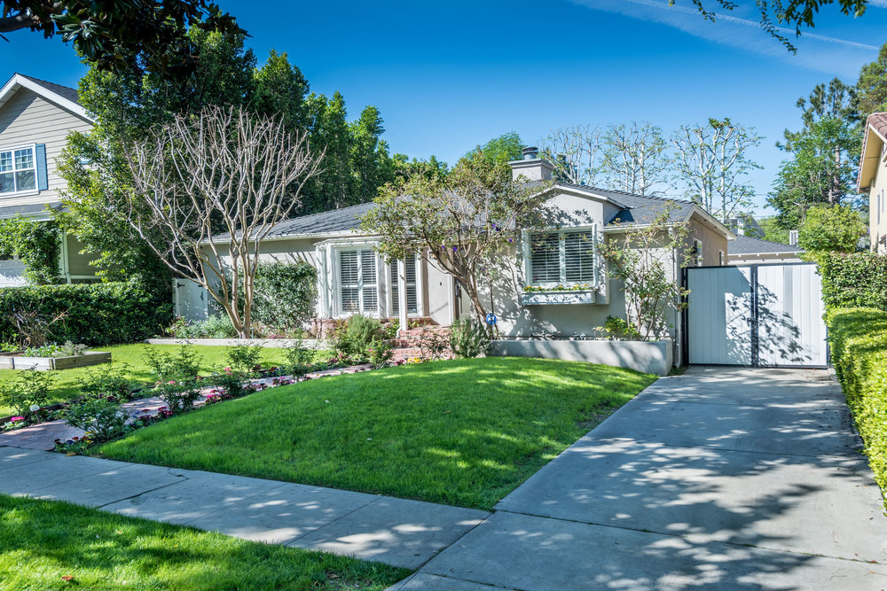 4231 Stern Ave - Sherman Oaks - $1,499,000 - 3Br+2Ba in 1,972 Square Feet of Living Space on a 6,997 Lot- Open Saturday 2-5