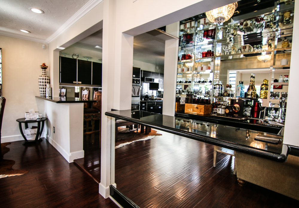 Bar with Kitchen (1 of 1).jpg