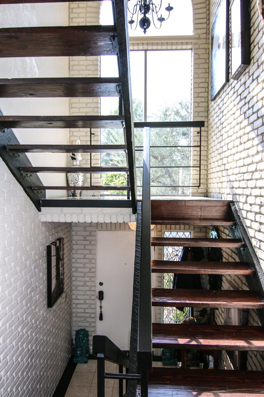 Foyer Facing Door (1 of 1).jpg