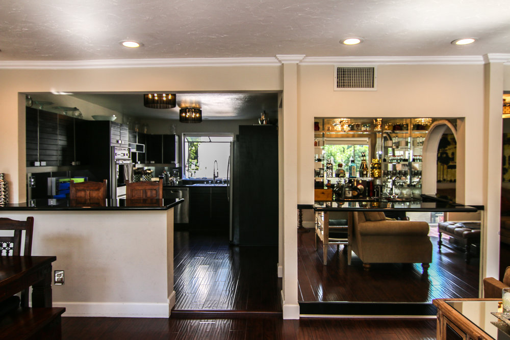 Kitchen and Bar Straight On (1 of 1).jpg