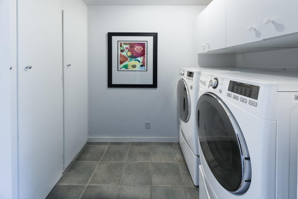 40 Laundry.jpg