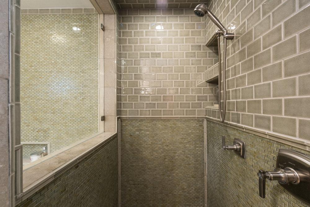 34 Master Bath.jpg
