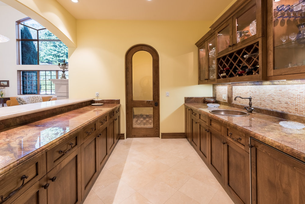 19 Wet Bar - Wine Room.jpg